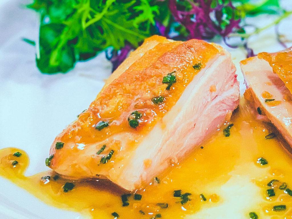 鶏ももステーキ完成(断面):低温調理レシピ